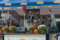 Magnus Band performs at Oktoberfest 2016.
